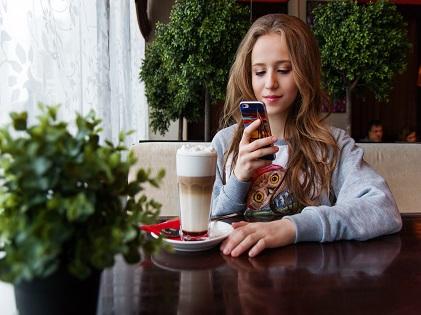 teenager technology cellphone